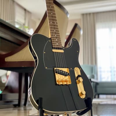Tokai  ATE-106B MH Gold Hardware/R Breezysound Limited Edition Japan in Black Beauty