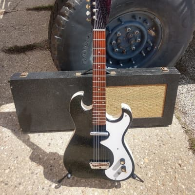Silvertone 1448 With Case Amp 1966 Black Sparkle super clean for sale