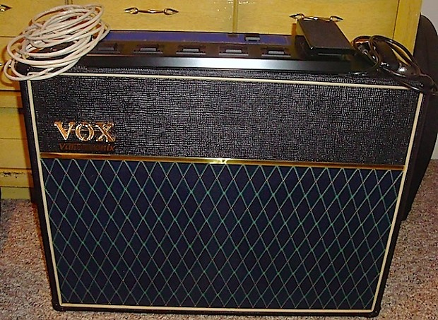 vox valvetronix ad120vt 120 watt 2 x 12 combo with vc 4 foot reverb. Black Bedroom Furniture Sets. Home Design Ideas