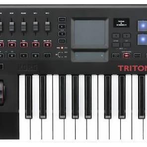 Korg TRTK25 TRITON taktile 25-Key USB Controller/Synthesizer