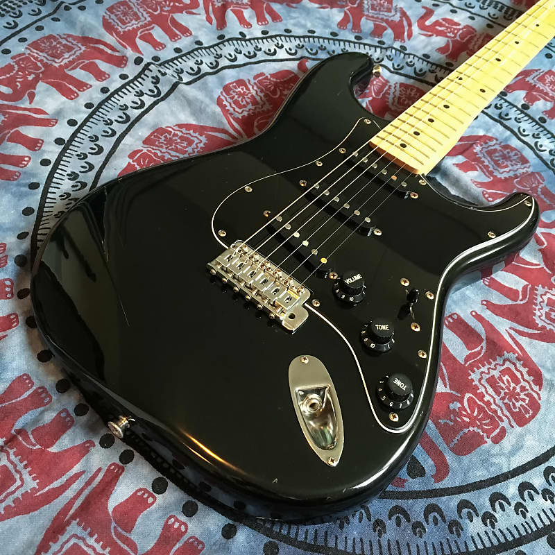 Squier SQ Series Stratocaster 1982/84 Black image