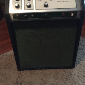 Silvertone Model 1422 40XL Solid State 40-Watt 1x12 Guitar Combo