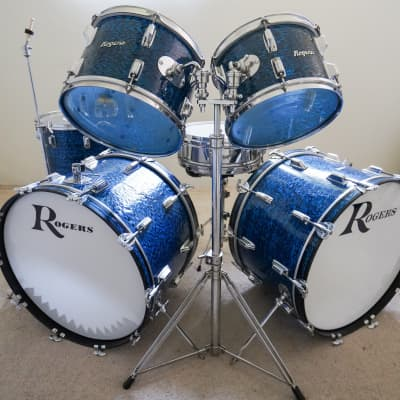 Rogers 1972 Blue Onyx 6pc w/Double Bass. (6 pieces with hardware)