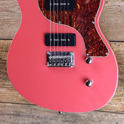 Sublime Tomcat Standard in Social Red for sale