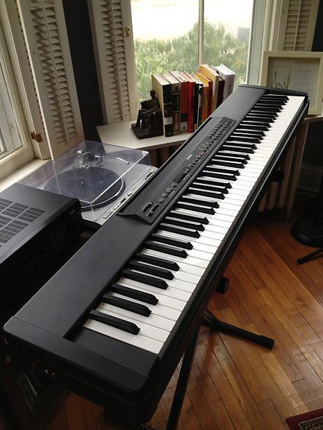 Yamaha p80 88 key digital piano keyboard with sustain for Yamaha keyboard sustain pedal