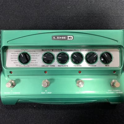 Line 6 DL4 Delay Modeler with Power Supply