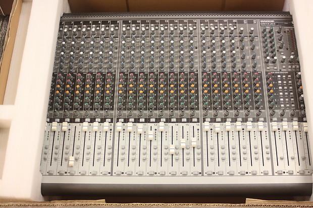 Mackie Onyx 24 4 Premium 24-Channel Analog Live Sound Mixing