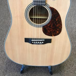 Cort MR500E NT Solid Spruce/Mahogany Dreadnought Cutaway with Electronics Natural Glossy