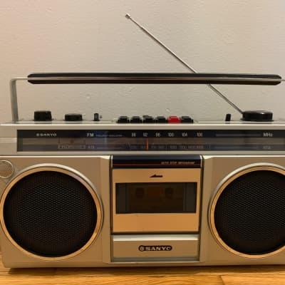 Vintage Sanyo M9800 AM/FM Radio Boombox Ghetto Blaster Stereo Tape NOT Working