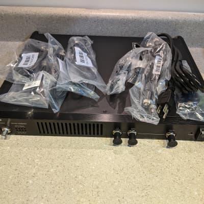 Shure PA421B PSM Antenna Combiner