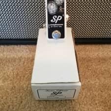 Xotic SP Compressor  White