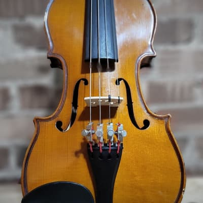 Glaesel 1/8 Violin Package (used but ready to go!)