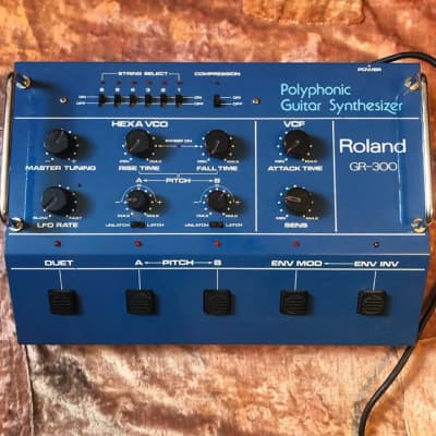 Roland GR-300 Synthesizer with guitar controller
