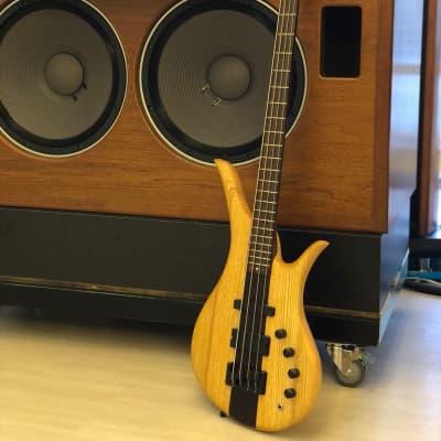 Eve Iona 4 strang bass from Scotland  Natural