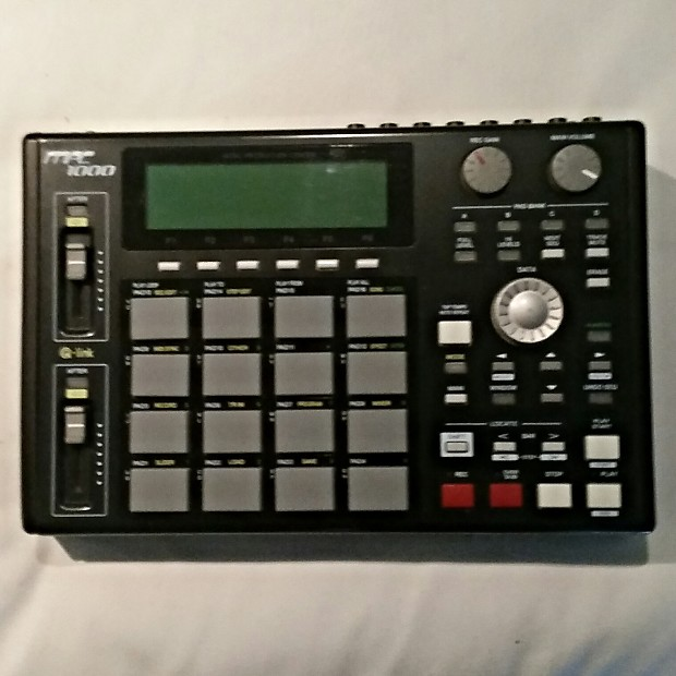 Akai MPC 1000 / 80GB Hard Drive / Music Production Center Drum Machine  MPC1000 FREE Shipping