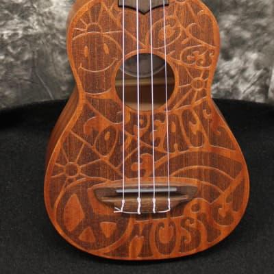 Luna Ukulele Peace Love Music Soproano Ukulele kit