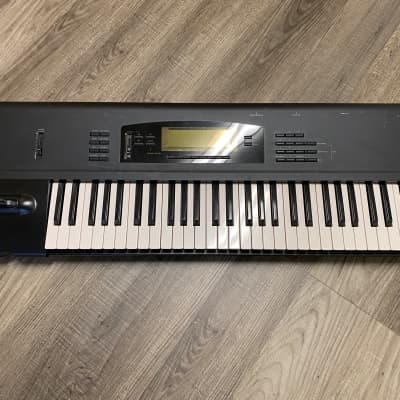KORG 01/W - 61 Key Workstation New Internal Battery & Sounds Loaded