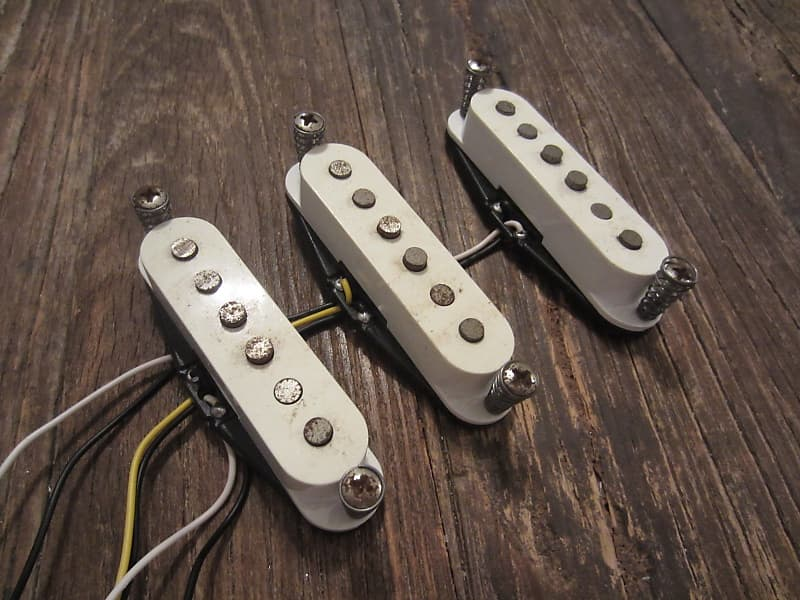 2004 Squier Standard Stratocaster Pickup Set | AlNiCo Magnets, RWRP Middle