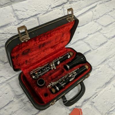 Vito Reso-Tone Clarinet Outfit w/case 04964