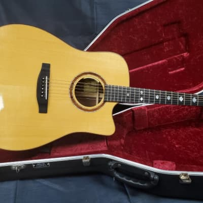 Lakewood Deluxe Series D-32 Custom Acoustic Electric Guitar w/ Maple Leaf Inlays and Hard-Shell Case for sale