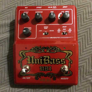 Akai UniBass UB1 Harmonized Bass Distortion