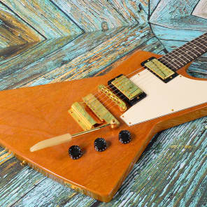 Gibson Guitar Of The Week #43 Explorer with Short Vibrola Trans Amber 2007