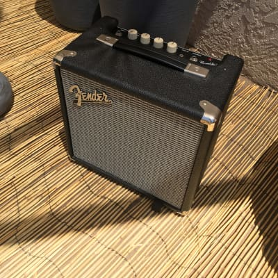 "Fender Rumble 15 V3 15-Watt 1x8"" Bass Combo"