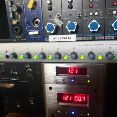 PreSonus DigiMax D8 8-Channel Mic Preamp with Digital Output