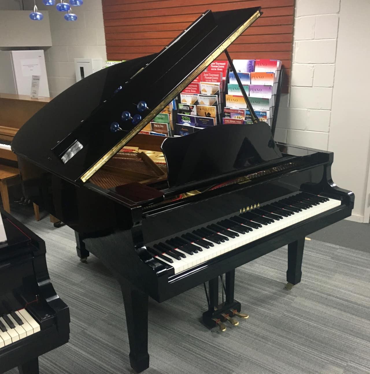 Yamaha c3 conservatory 6 39 1 grand piano polished ebony reverb for Yamaha c3 piano review