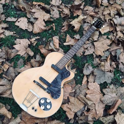 Hofner  Club 50 , George Harrison , The Beatles  1956  Blonde