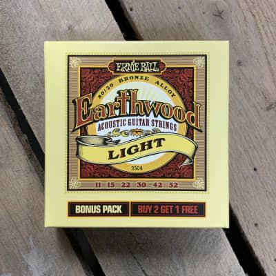Ernie Ball Earthwood Light Bonus Pack - 11-52