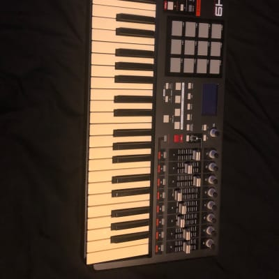 Akai MPK49 MIDI/USB Keyboard Controller