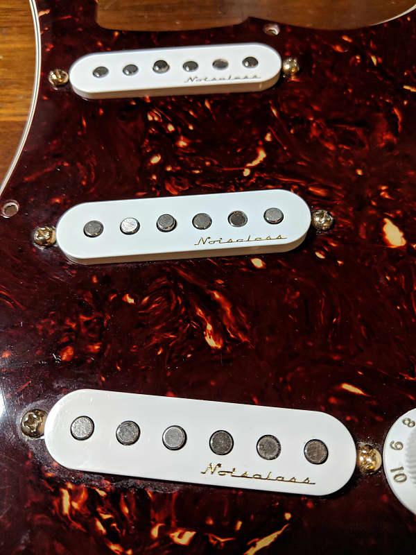 Fender Vintage Noiseless Strat Pickup Set Musicians Friend >> Fender Vintage Noiseless Set From Deluxe Players Stratocaster