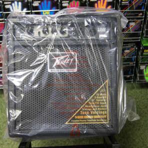 Peavey MAX 158 15-Watt 1x8 Bass Combo