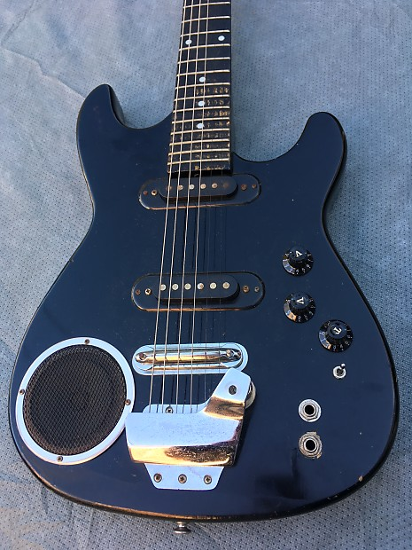 synsonics terminator 3 4 size electric guitar with built in reverb. Black Bedroom Furniture Sets. Home Design Ideas