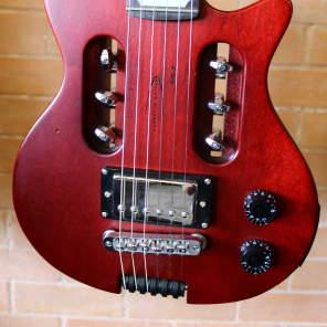 Traveler EG-1 Standard Electric Travel Guitar Satin Red