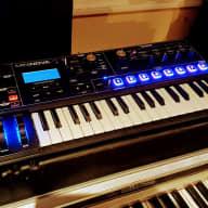 Novation MiniNova Synthesizer with Vocoder Mic