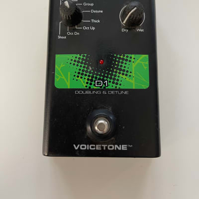 TC Helicon D1 Doubling & Detune Doubler Vocal Effect Pedal + Power Supply