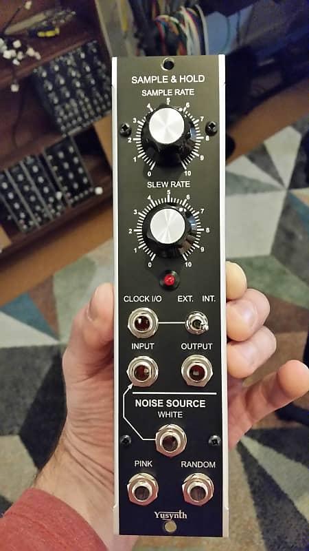 yusynth YuSynth Noise + S&H mu 5u format synthesizers com module 2017 black