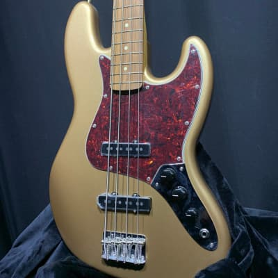 Fender Vintera 60's Jazz Bass Gold for sale