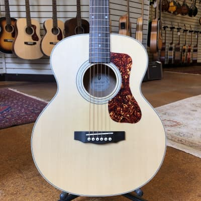 Guild Westerly Collection Jumbo Junior Acoustic-Electric Guitar Flamed Maple