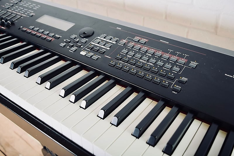 Yamaha S90es 88 keyboard synthesizer Excellent condition electric piano