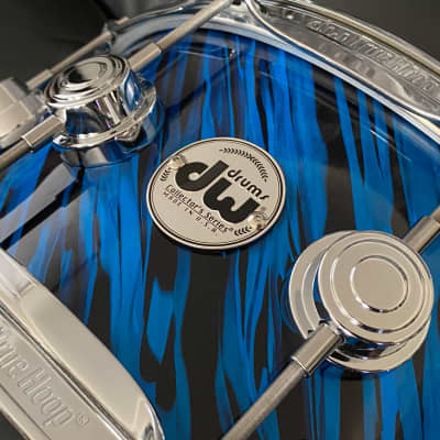 "DW Collectors Series 6.5"" x 14"" Maple Standard 10 ply  in Blue Twisted Oyster  with Chrome Hardware"