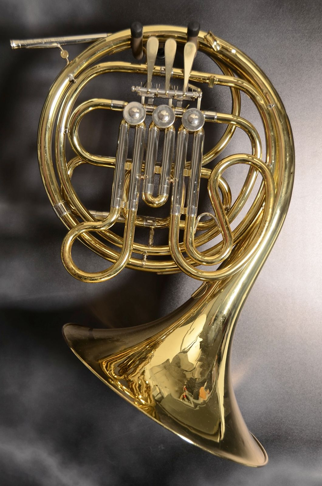 holton singles Learn more about holton and cg conn french horns.