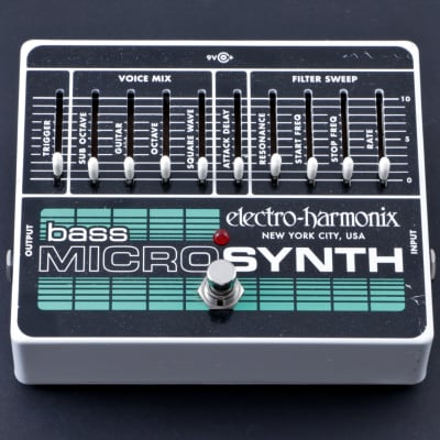 Electro-Harmonix Bass Micro Synth Bass Guitar Effects Pedal P-08191