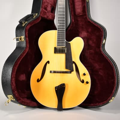 2019 Benedetto Bravo Honey Blonde Finish Archtop Electric Guitar New w/OHSC for sale