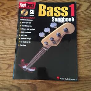 Hal Leonard FastTrack Bass Songbook 1 - Level 1