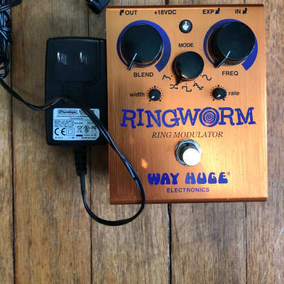 Way Huge WHE606 Ringworm Ring Modulator with power supply
