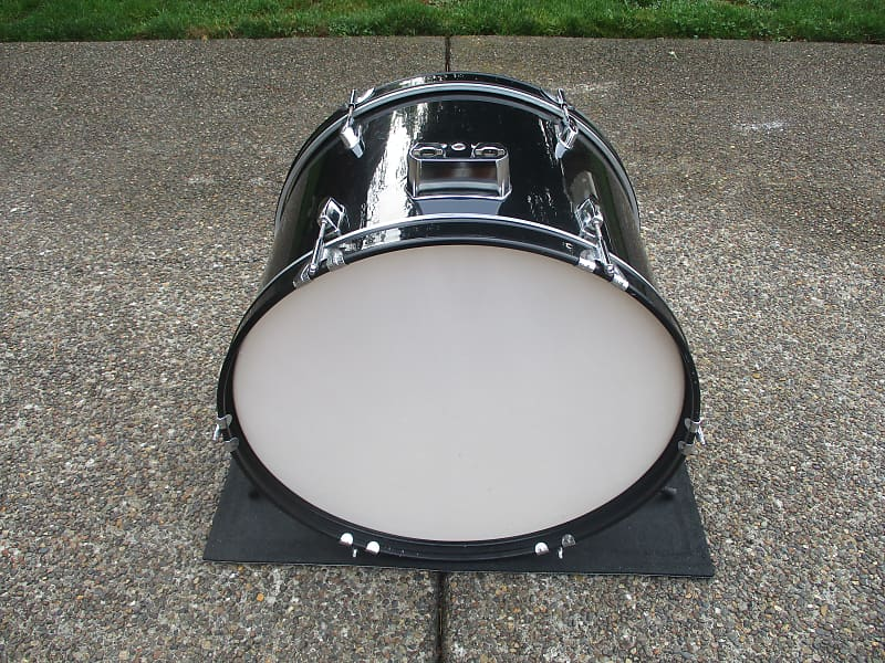 unknown 22 x 14 bass drum gloss black good heads clean reverb. Black Bedroom Furniture Sets. Home Design Ideas