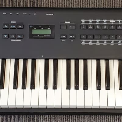 Alesis QS8 88-Key Weighted Synthesizer Keyboard Workstation